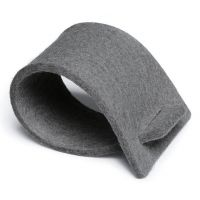 Napkin rings of felt - grey